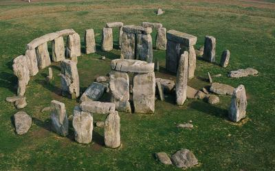 The world famous monument of Stonehenge was erected in the Late Neolithic around 2500BCE.